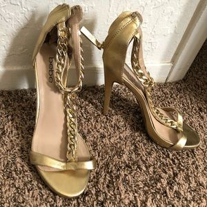 ✨ bebe Gold Chain Faux Leather Heels
